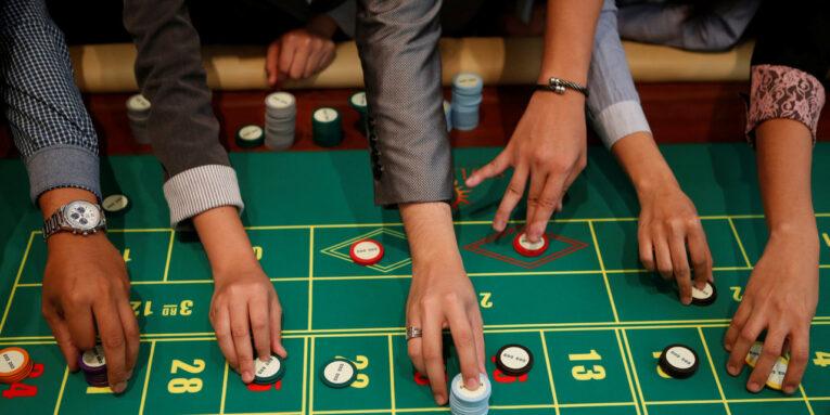 play online poke